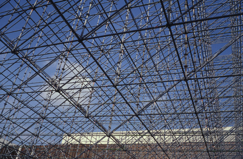 blue sky, berlin construction site, photographed by matthew burger & rainer hägele, 1994